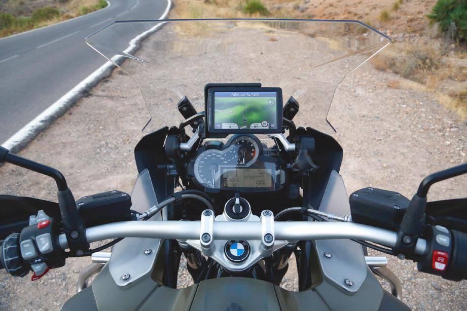 Véloce et confortable, la R1200GS Adventure donne envie de rouler loin et longtemps.(© BMW)