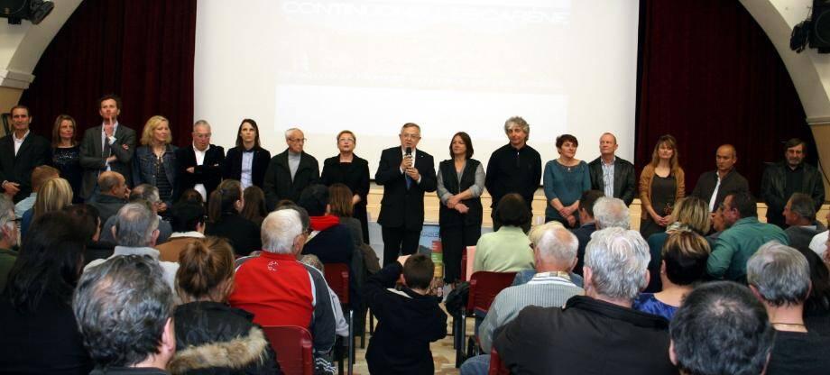 La liste « Continuons L'Escarène » présentée par le maire sortant Pierre Donadey. « Proximité et humain au cœur des projets ».