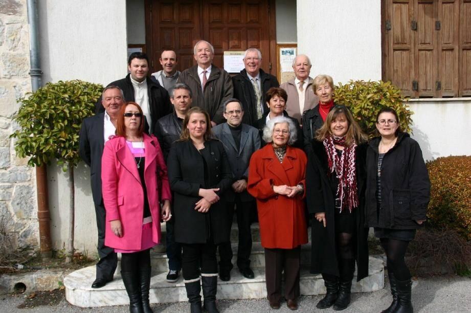 Une liste équilibrée composée de sept conseillers sortants et de sept nouveaux et où la parité hommes femmes est respectée.