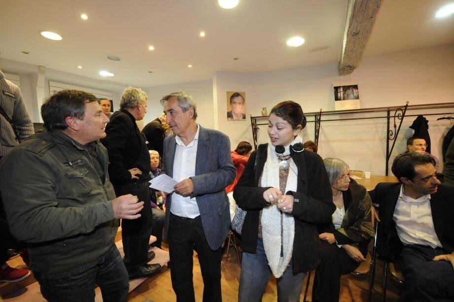Paul Euzière, à sa permanence après l'annonce des résultats. Et d'entrée, les discussions se portaient sur la stratégie à adopter pour le deuxième tour.