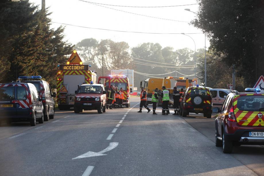 L'accident, impliquant une moto et une voiture, s'est produit, hier vers 16h30, à un kilomètre du centre-ville de Gonfaron en direction de Pignans