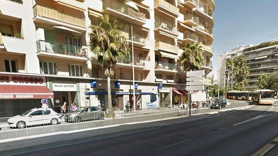 banque populaire braquee rue de france a nice 131212