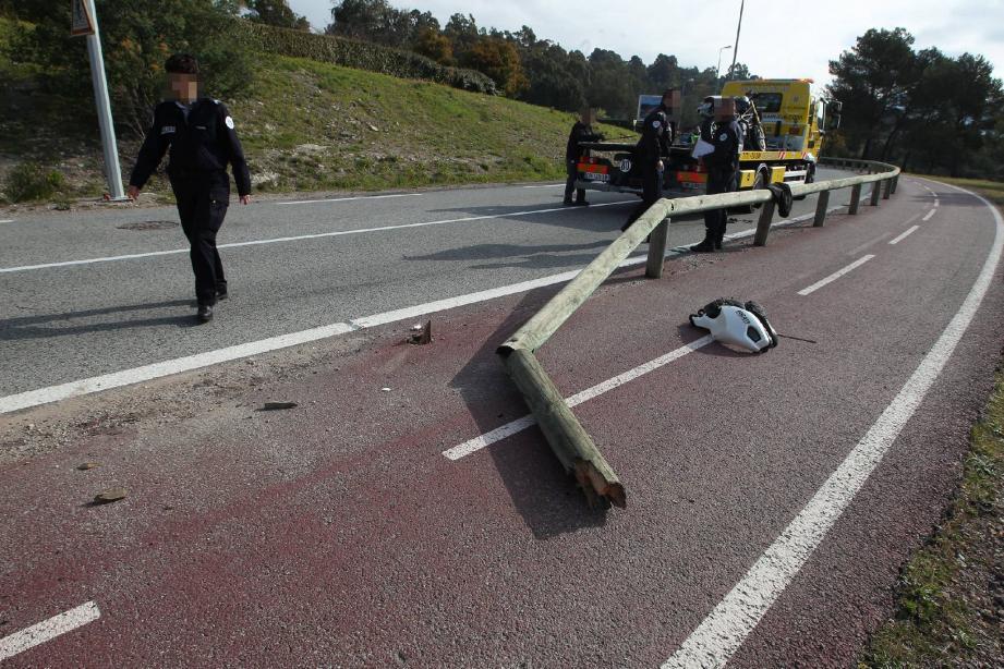 C'est sur cette route entre Agay et Saint-Raphaël, qu'un motard a trouvé la mort.