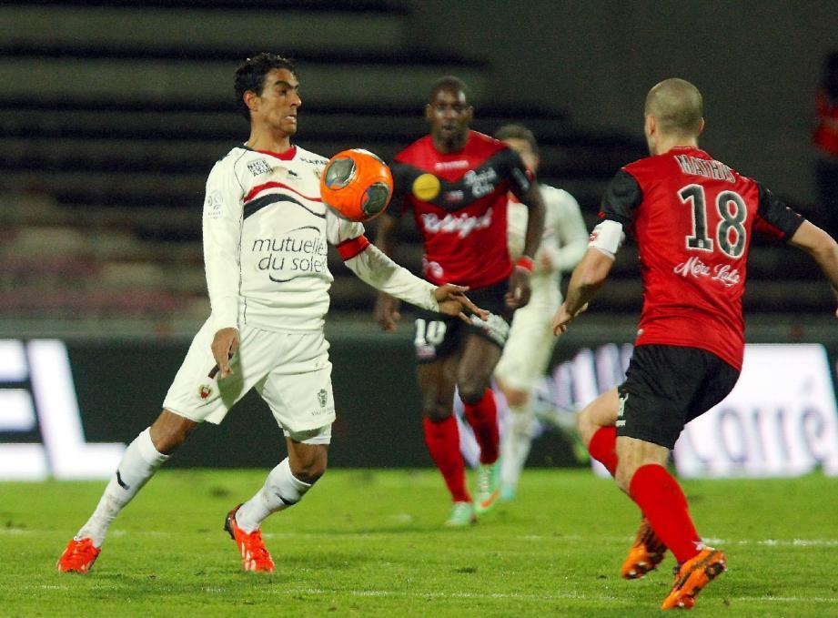 Fabrice Abriel pourrait retrouver une place de titulaire demain soir contre Lorient.