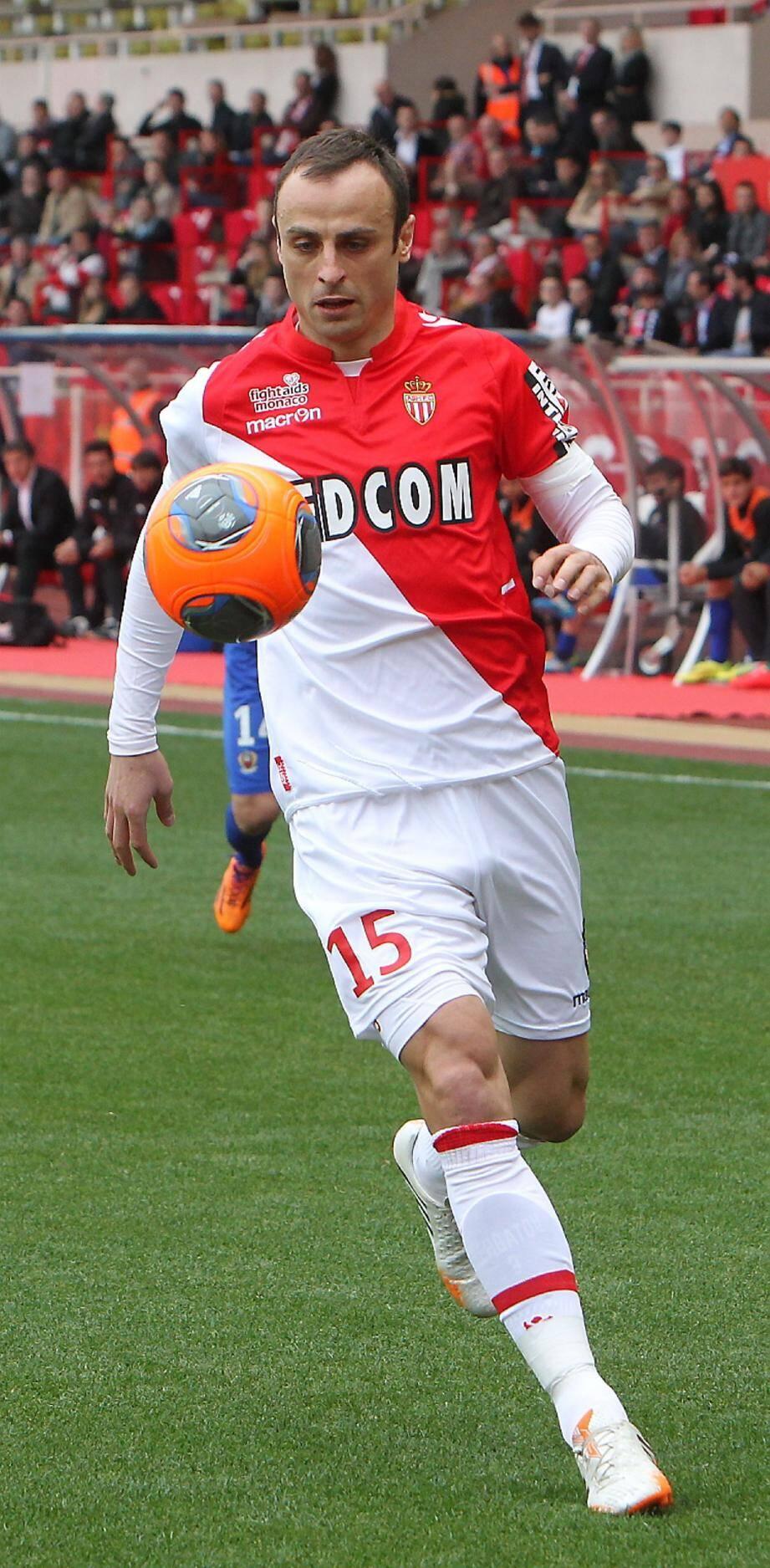 Dimitar Berbatov aimerait poursuivre avec l'ASM la saison prochaine.