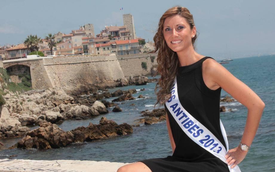 Qui succédera à Laury Decalonne,  miss Antibes -Juan-les-Pins 2013 ? Réponse le 17 mai au Palais des congrès de Juan les Pins.