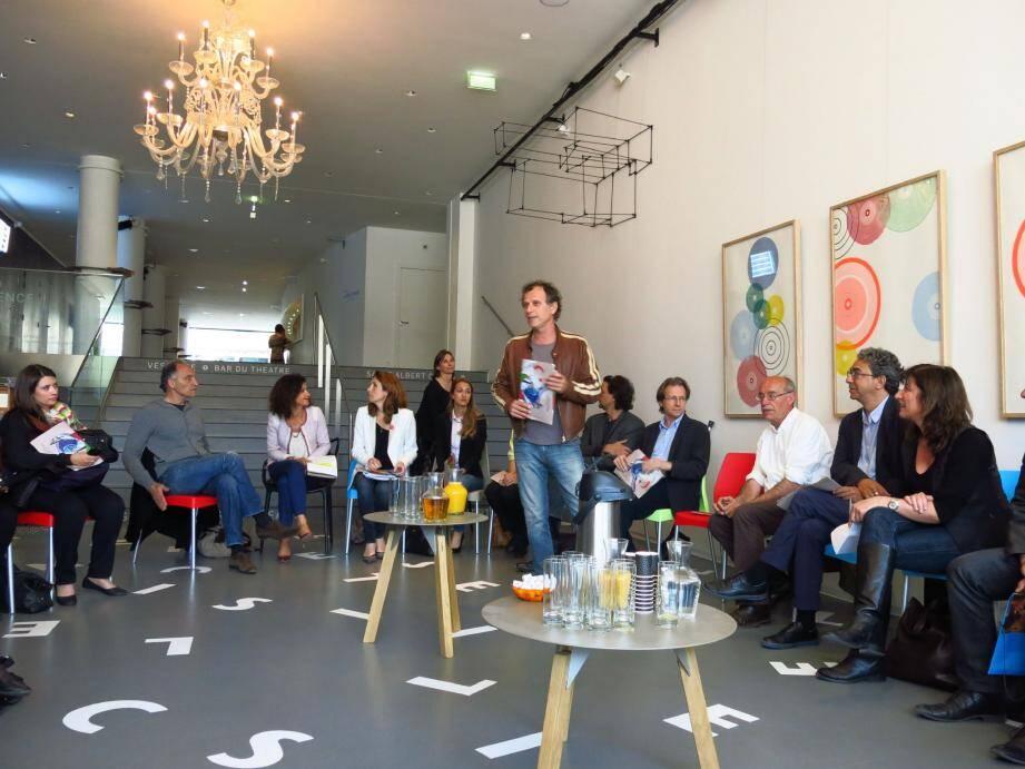 La présentation de ce festival par les frères Berling a réuni au théâtre Liberté tous les intervenants et toutes les structures inscrites dans ce projet.