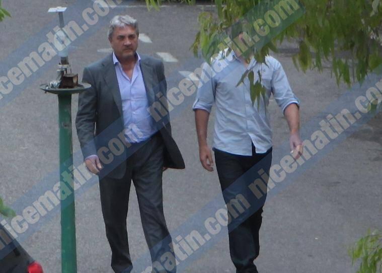Wojciech Janowski, le gendre d'Hélène Pastor, escorté par un enquêteur hier à Nice, entre deux auditions à la caserne Auvare.