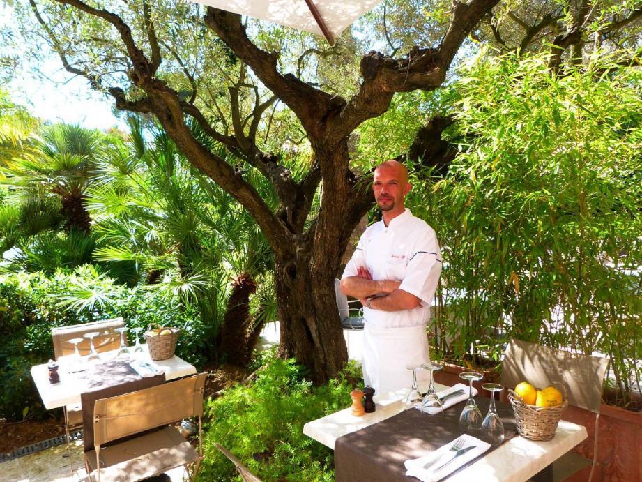 Philippe Colinet n'a connu que des établissements étoilés. Le chef ambitionne d'inscrire le restaurant de la Bastide, l'Oliver, à la liste des prestigieux élus du guide rouge.(C. Chemin)