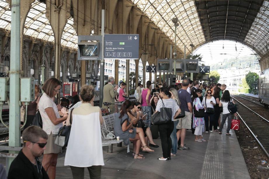 En gare de Nice.