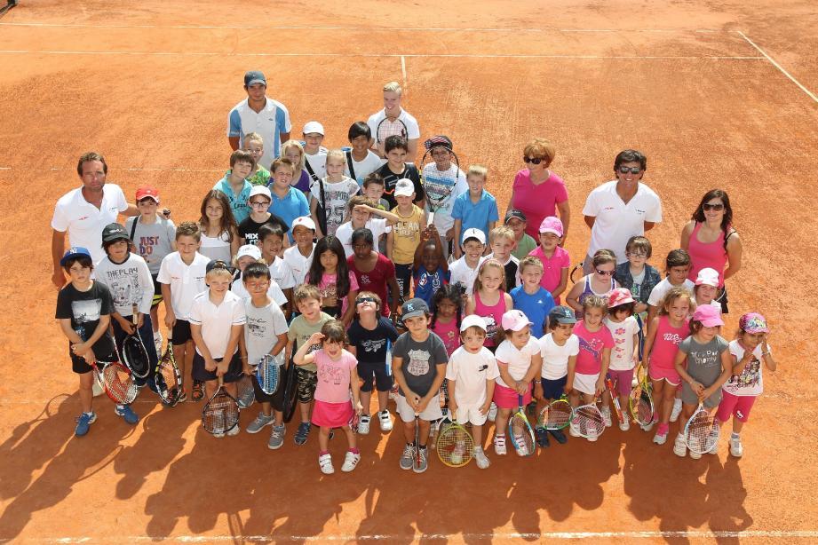 Au Tennis club Méditerranée, comme dans d'autres associations sportives, les écoliers ne pourront plus jouer le mercredi matin.