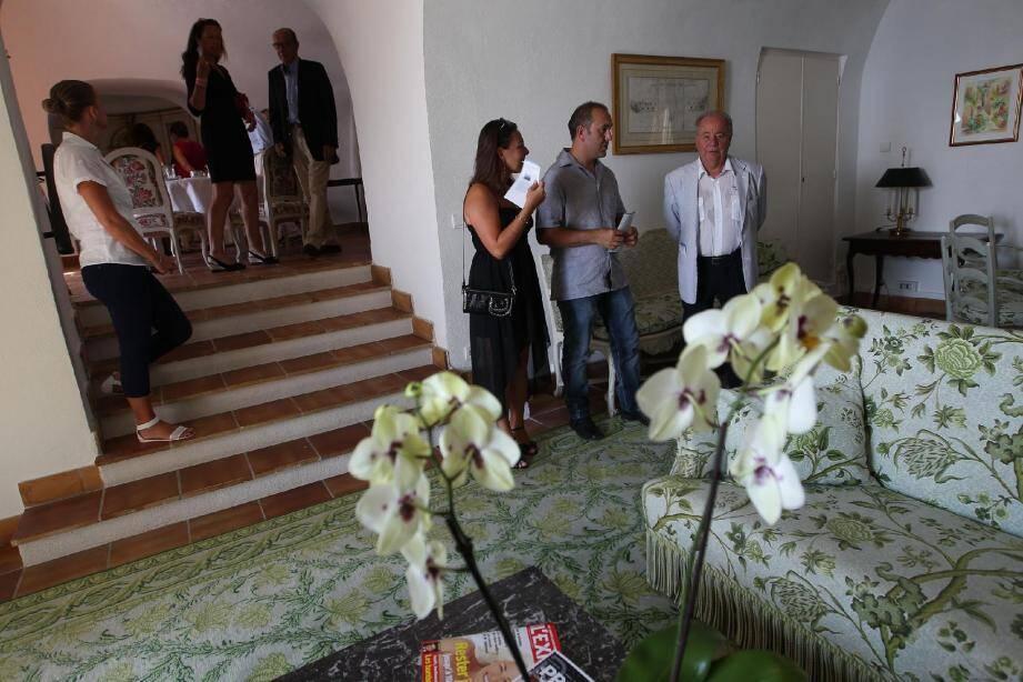 Les visiteurs découvrent un intérieur relativement « simple », « un lieu de vacances en famille ou entre amis ».
