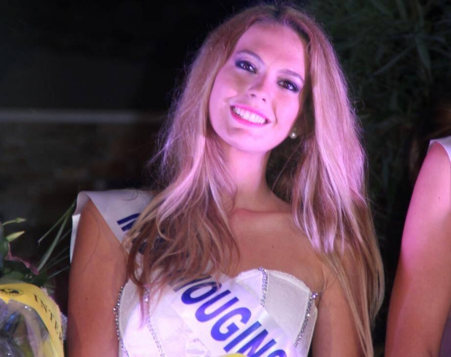 Cécilia, 20 ans a été élue Miss Mougins 2014.