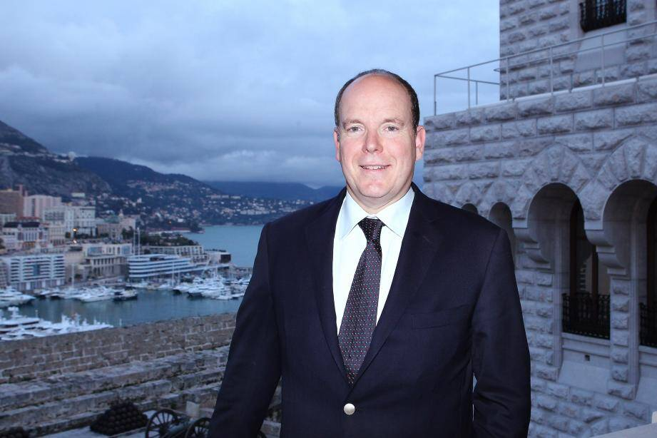 """Selon l'enquête BVA publiée dans """"Le Parisien"""", le prince Albert de Monaco est très populaire en France."""