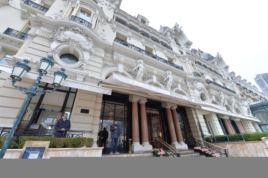 C'est au bar américain de l'Hôtel de Paris que Richard Loko a laissé une première ardoise conséquente.