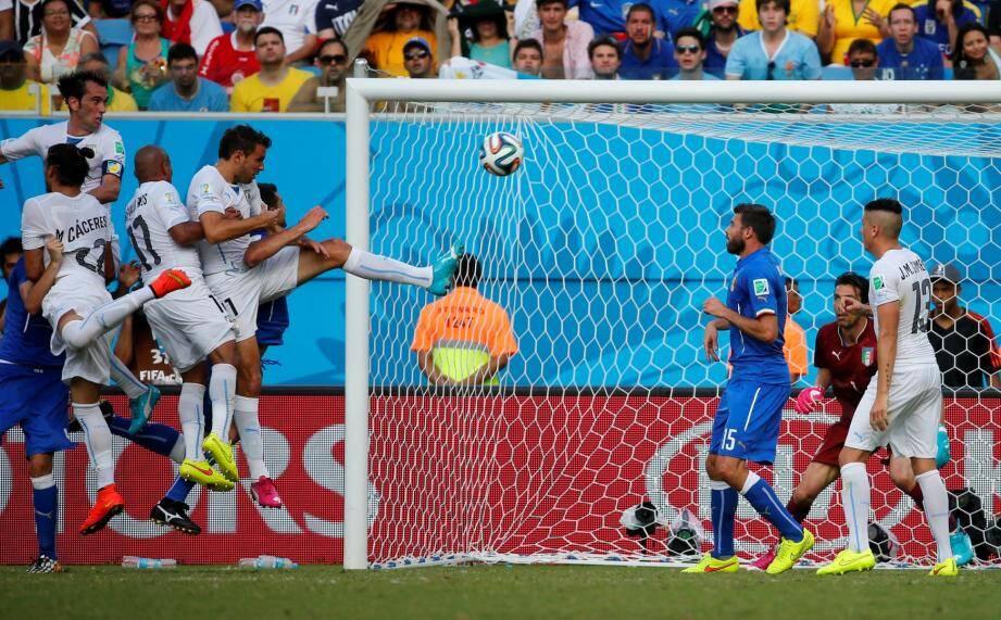 L'Italie est éliminée de la coupe du monde au Brésil après sa défaite contre l'Uruguay (1-0) lors du troisième match du groupe D.