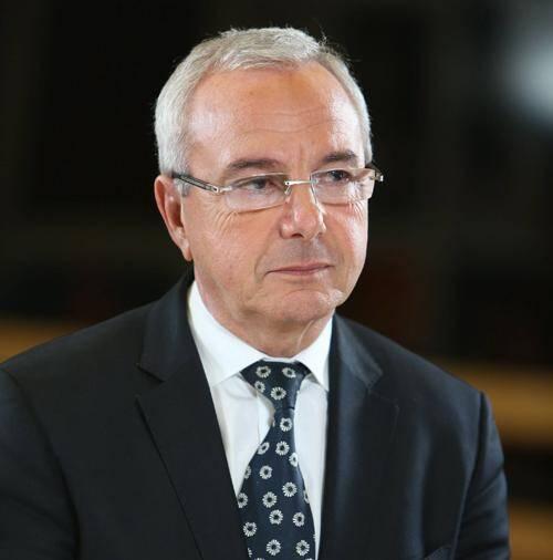 Jean Leonetti est venu ce mardi à Pau défendre sa loi sur la fin de vie.