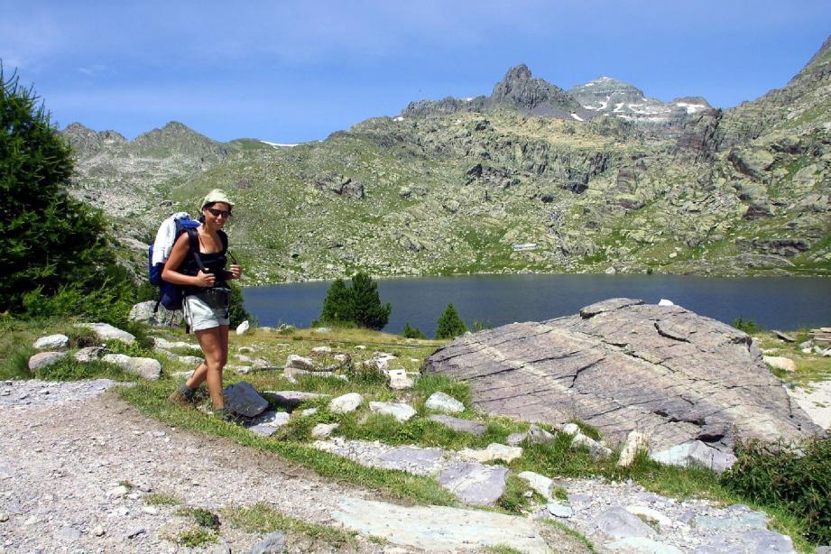 L'aventure au bout du chemin sur les centaines de kilomètres de sentiers de randonnée des Alpes du Sud.(Photothèque Nice-Matin)