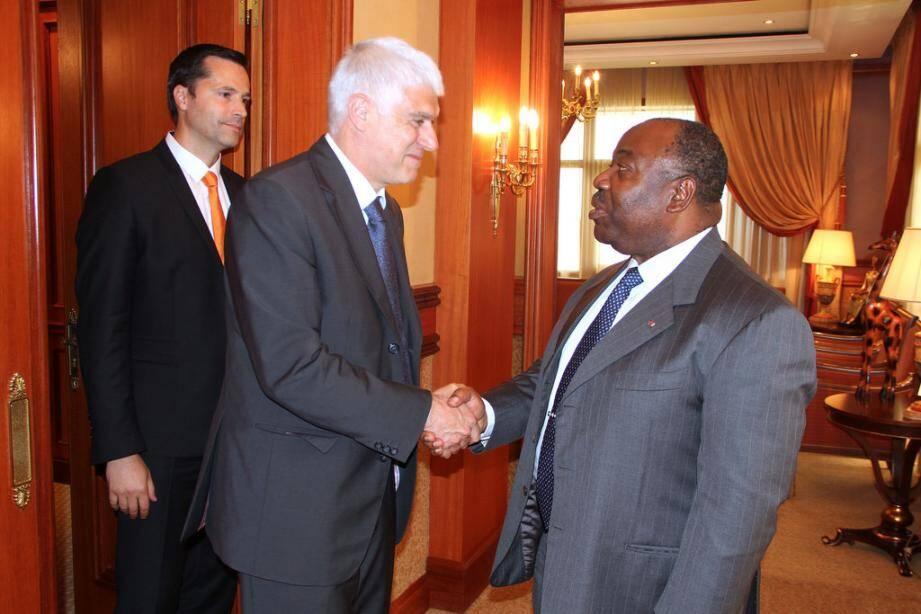 Le président Ali Bongo Ondimba a reçu la délégation monégasque - ici avec les représentants de Monaco Telecom, Laurent Lafarge (au premier plan) et Sébastien Vacher.