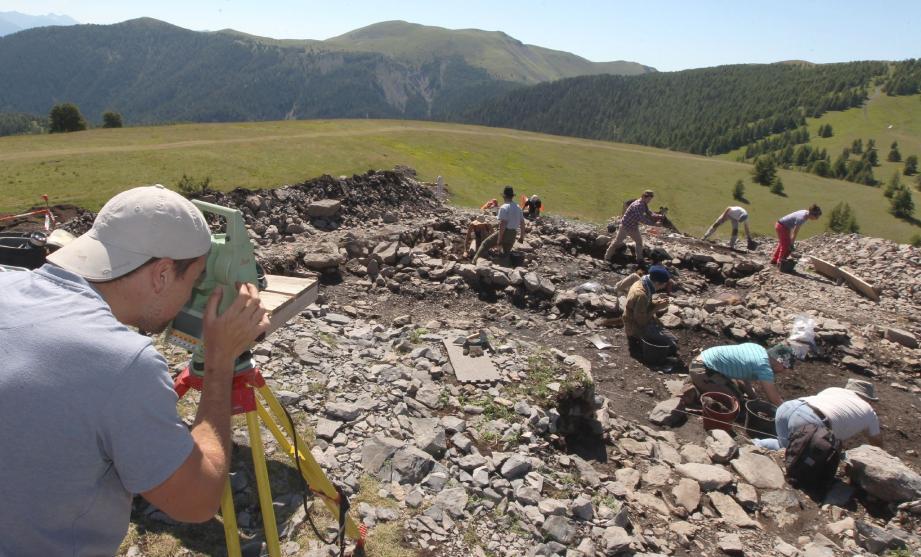 Depuis deux mois les archéologues fouillent le site de la Tournerie à Roubion.