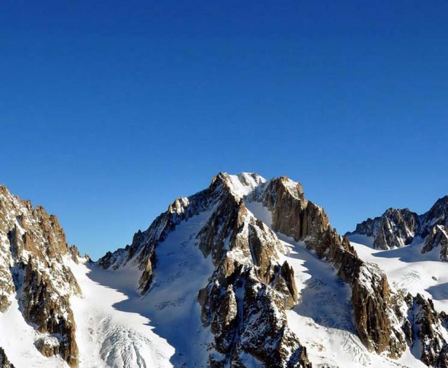 Les cinq alpinistes voulaient se frotter à l'aiguille d'Argentière. Mais la mort les a rattrapés en chemin. (Ph. Le Dauphiné libéré/Philippe Cortay)