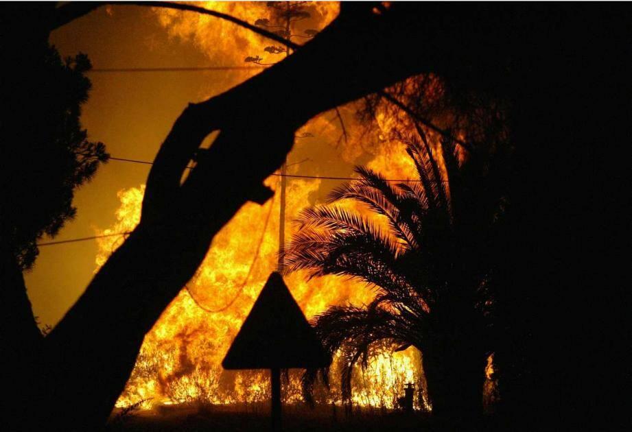 Le 29 juillet 2003, le feu avait embrasé le quartier de La Nartelle, à Sainte-Maxime.