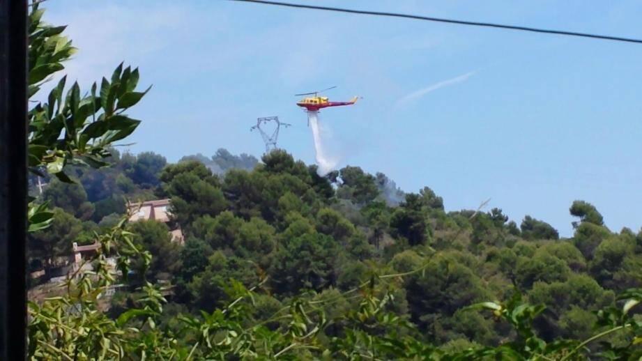 Un début d'incendie en face de Colomars. Reporter mobile Sauthon