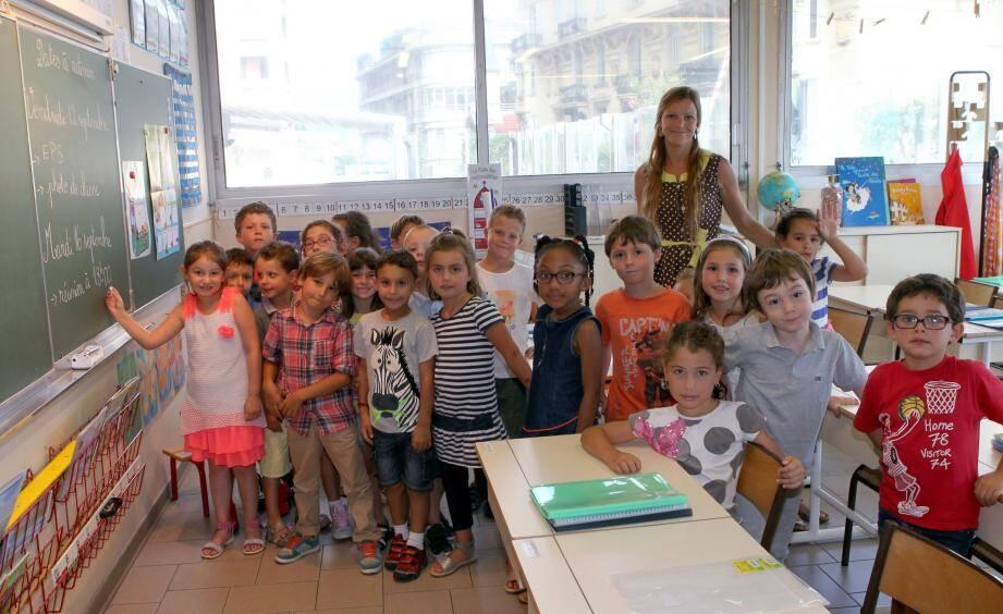 Une fois la porte d'entrée passée, les larmes ont été remplacées par des sourires chez les petits comme ici à l'école des Révoires.