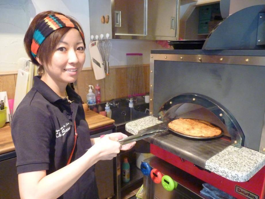 """Emiko Sasagawa, une Japonaise de 32 ans, a ouvert le 16 septembre un restaurant """"nissart"""" à Tokyo."""