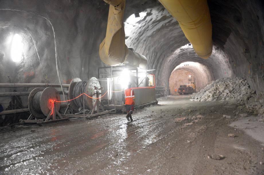 Près de 330 mètres ont déjà été creusés.