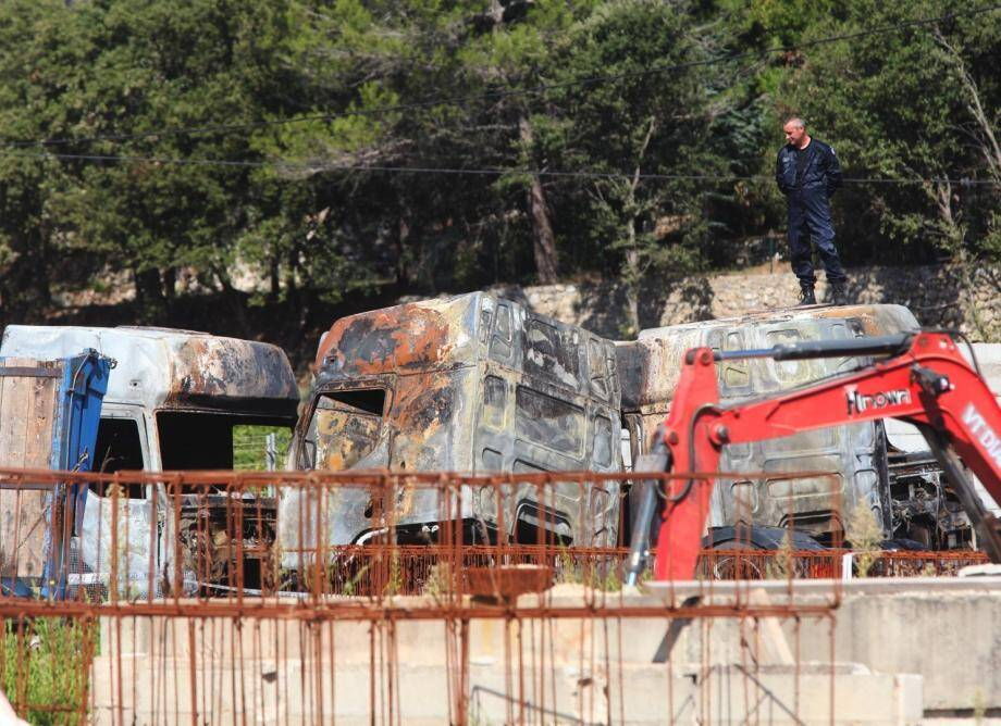 Cinq camions brûlés dans une entreprise de Pignans