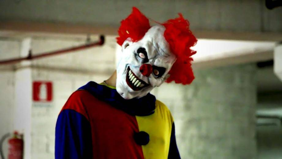 dm pranks le clown qui terrorise en camera cachee 141026
