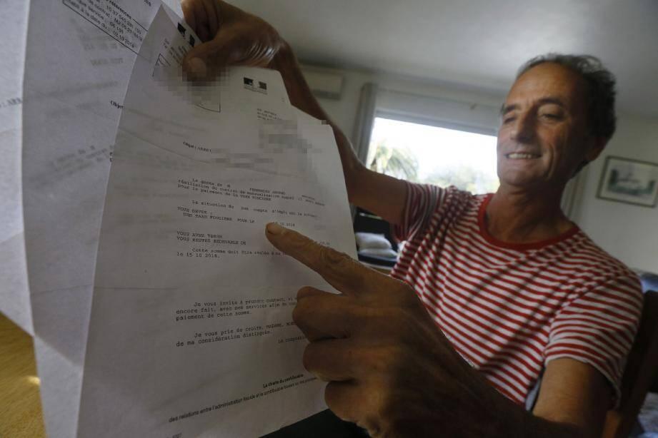 Armand Fernandez a découvert dans sa boîte les trois courriers de l'administration fiscale destinés à ses héritiers à la suite de son… décès.