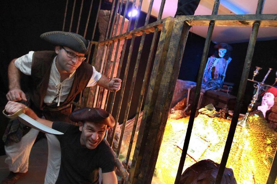 Sébastien et Nicolas Vitale, gardiens pas très méchants, du fabuleux trésor de Barbe Rasta, caché dans une grotte.