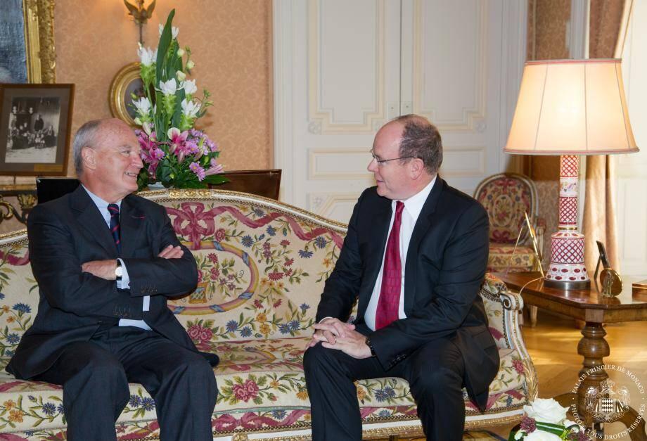 Hadelin de La Tour du Pin a remis ses lettres de créance au prince Albert II, hier au Palais princier.