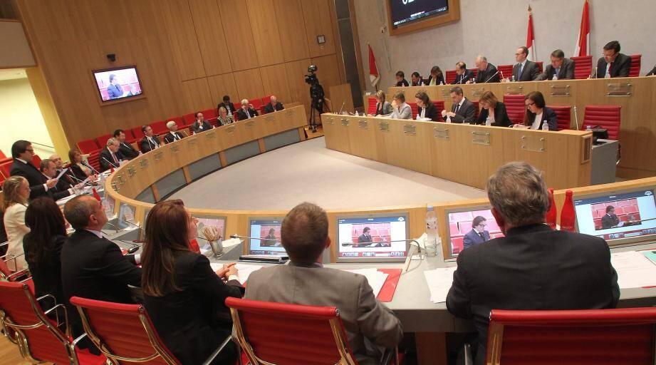 Des élus de la majorité dont le président Laurent Nouvion se sont félicités de l'amélioration des rapports avec le gouvernement