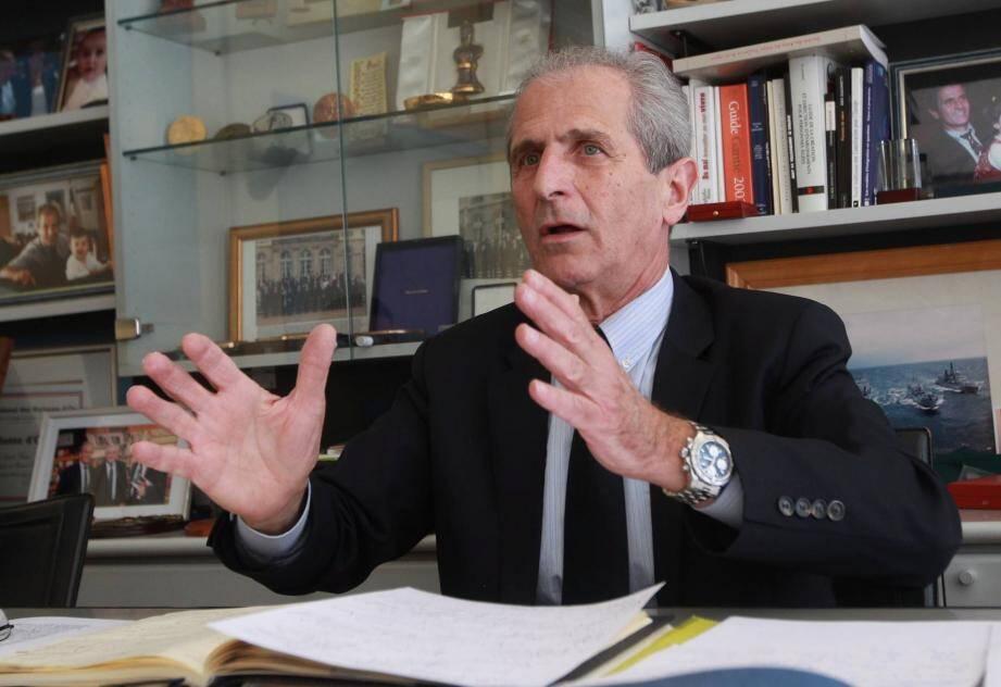 Le sénateur-maire de Toulon Hubert Falco a choisi Nicolas Sarkozy pour la présidence de l'UMP.