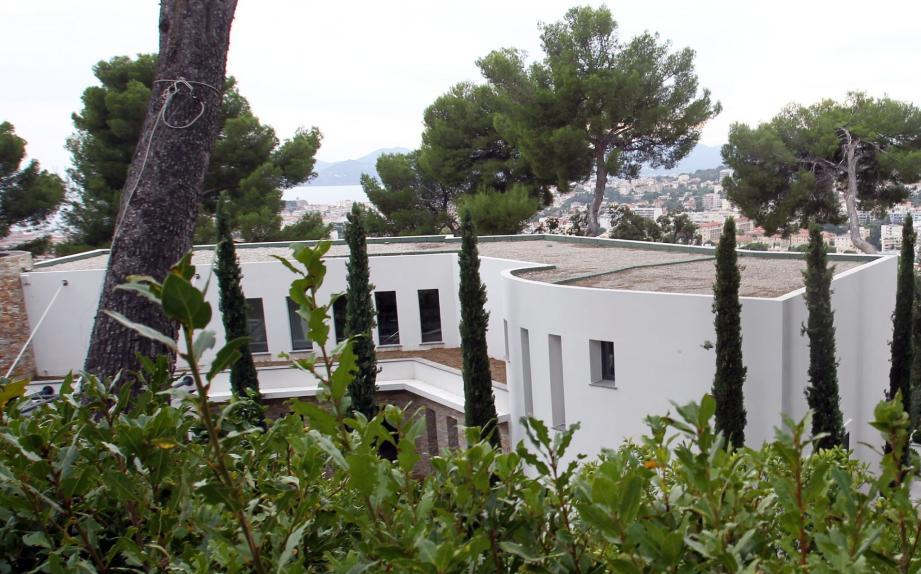 Les promoteurs avaient construit illégalement trois villas pour millionnaires dans le quartier de La Californie.