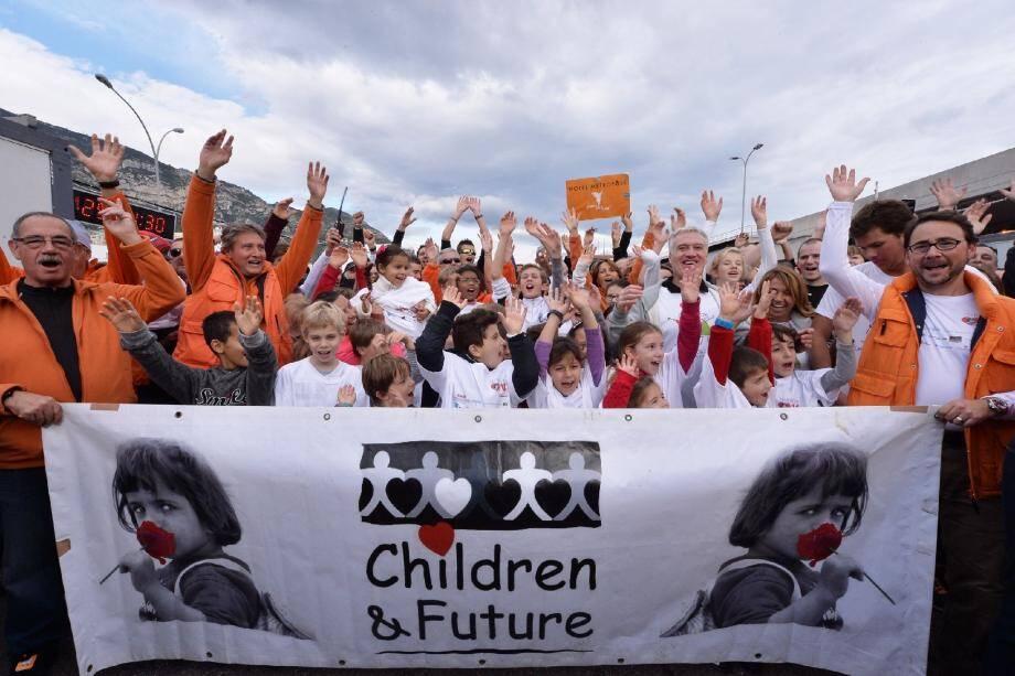 Chaque année ils sont une quarantaine de bénévoles de l'association Children&Future à se relayer pendant 8 jours, 24h/24 pour assurer l'accueil des participants, à n'importe quelle heure.