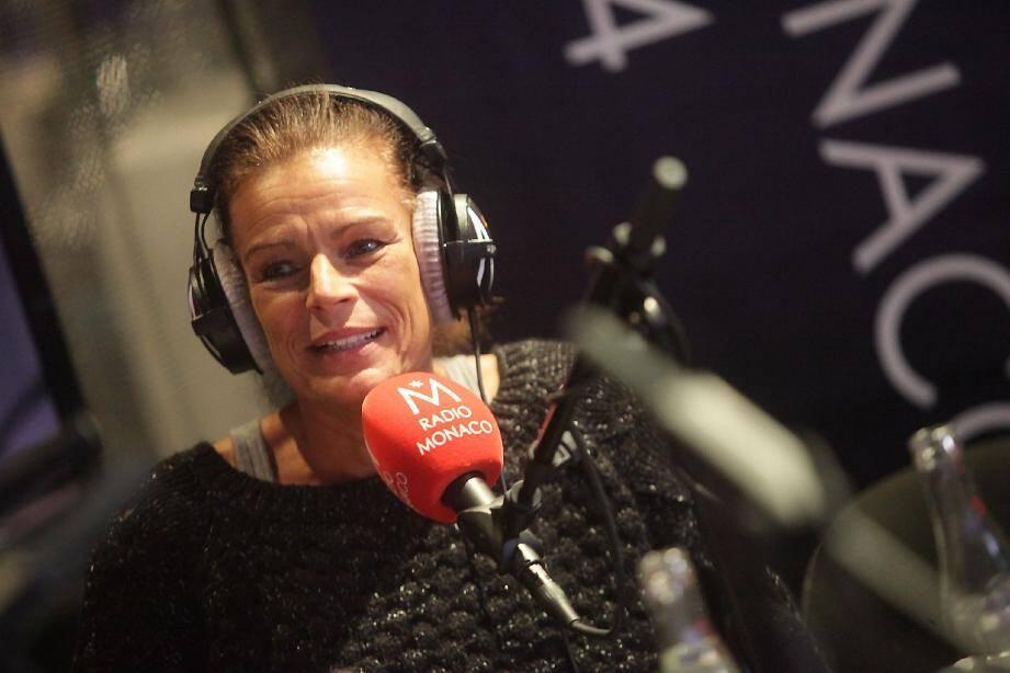 La princesse Stéphanie anime également tous les mois une émission sur les ondes de Radio Monaco baptisée « Jungle Fight » pour parler prévention. La prochaine se fera le 27 novembre à 17 heures.