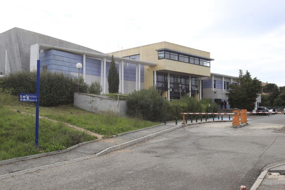 Sur le campus de La Garde, les cours à l'école d'ingénieurs sont suspendus pour toute la semaine.