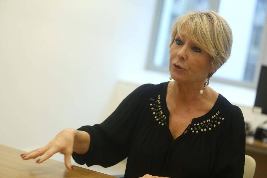 Agnès Puons, secrétaire général et directeur des Ressources humaines, a envoyé une nouvelle proposition, parti au courrier hier.