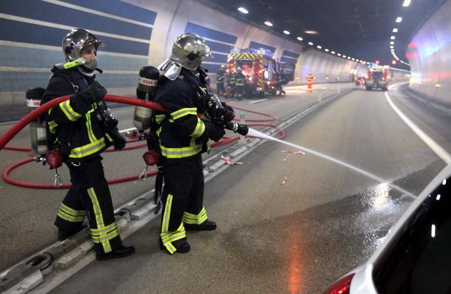 Plus de quarante pompiers sont intervenus dans le tunnel de l'A500
