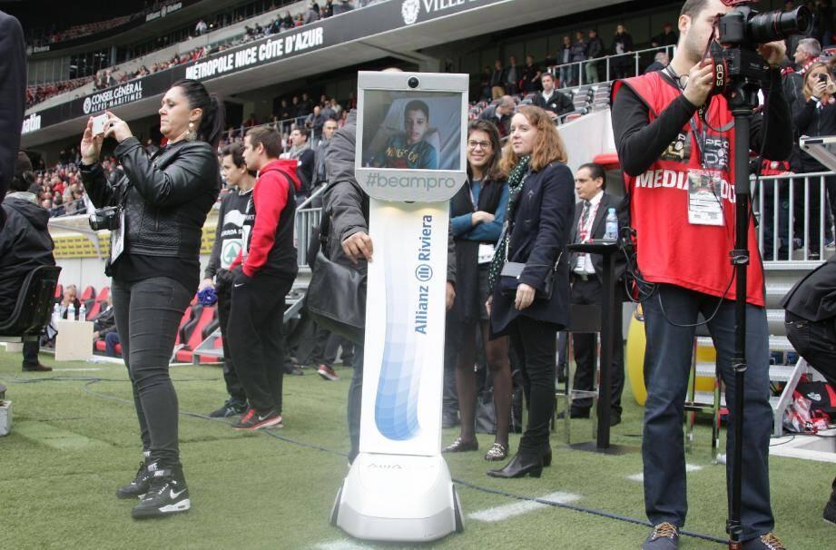 Les robots ou i-supporters ont fait leur entrée au stade le week-end dernier. Et ce sont les enfants malades de la Timone, à Marseille, qui en ont profité. Etonnant non ?