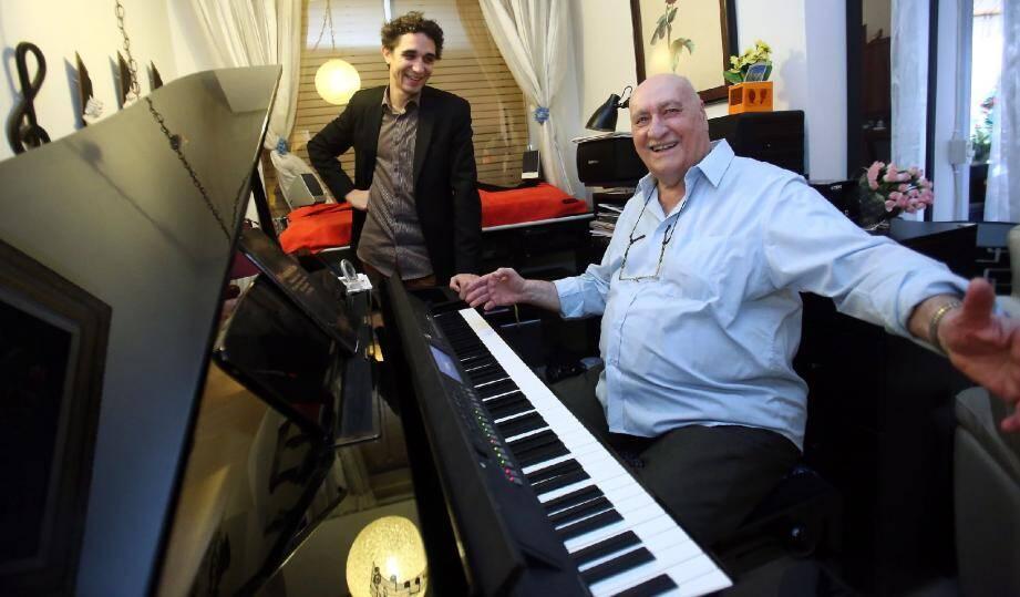 Vladimir Ferrari et Jérémie Laurent, co-auteur du documentaire « Wlad, portrait d'un piano-bar ».