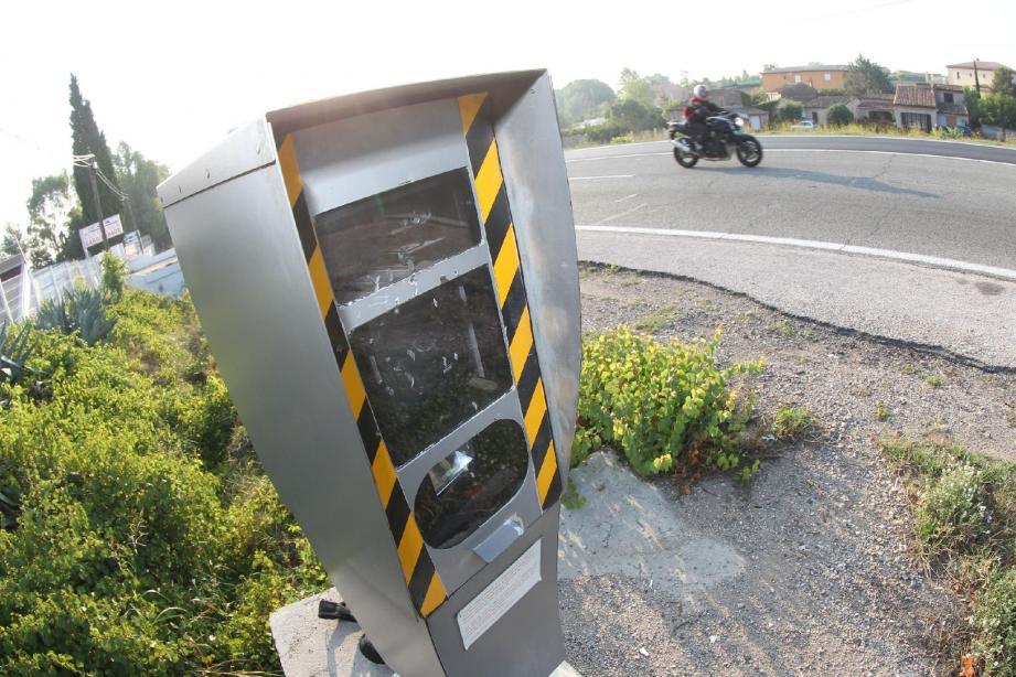 Des membres d'un groupe Facebook qui signalait les radars de l'Aveyron ont écopé de suspension de permis.