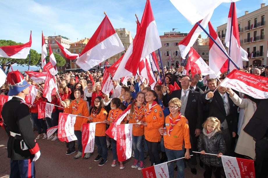 Chaque 19 novembre, la population de Monaco montre son attachement à la famille princière.