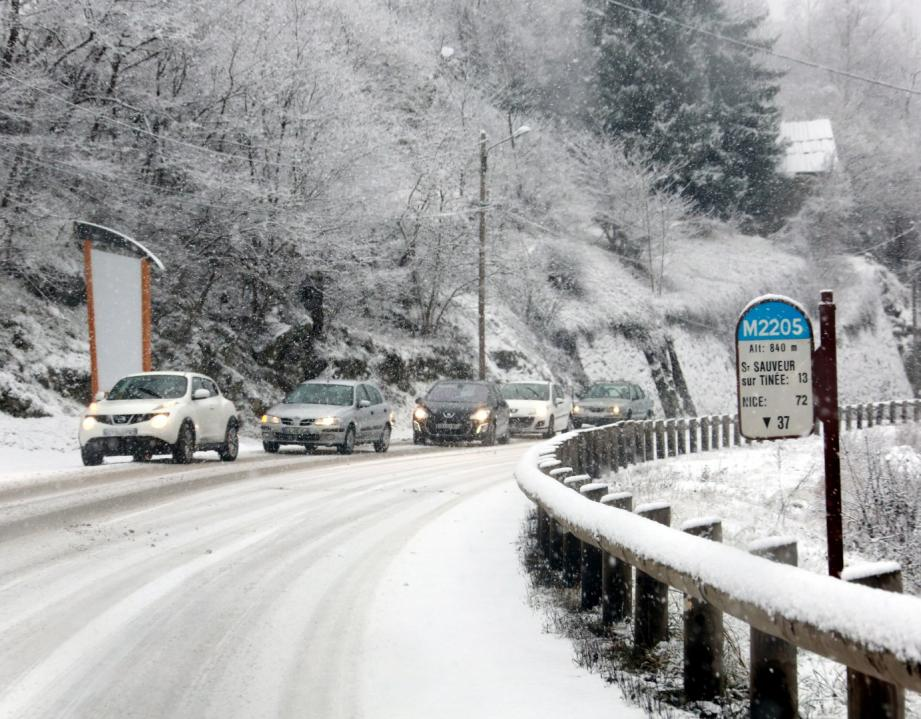 Situation de viabilité du réseau routier des Alpes-Maritimes, hors perturbations pour travaux, communiqué à 9h samedi par le conseil général.