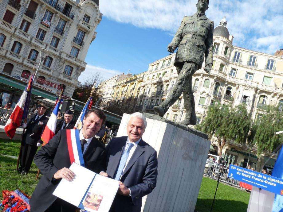 Christian Estrosi et l'ambassadeur de Russie Alexandre Orlov en décembre dernier à Nice