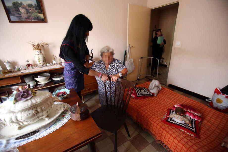 Les aides à domicile sont en constante demande dans le bassin mentonnais, où la population vieillit sur un secteur résidentiel.(Archive photo N.-M.)